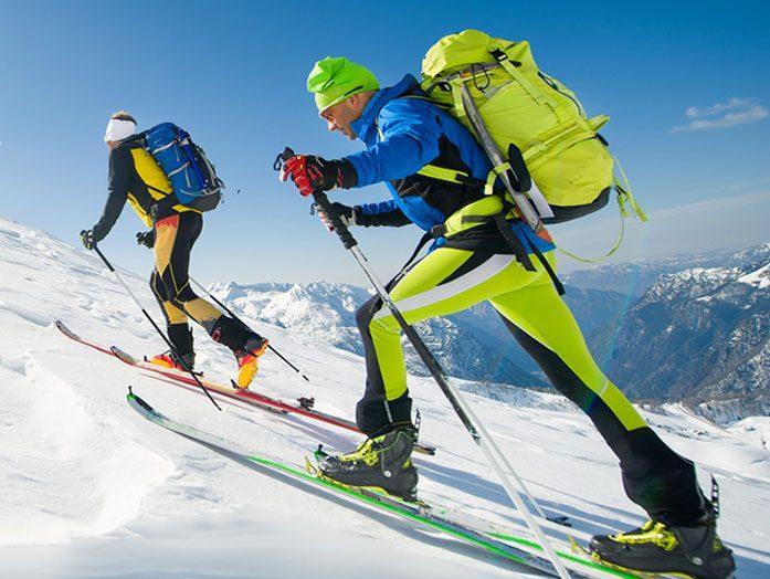 Skialp seriál – 1.část – Technika pri šlapaní na skialp lyžiach a používanie skialpových paličiek